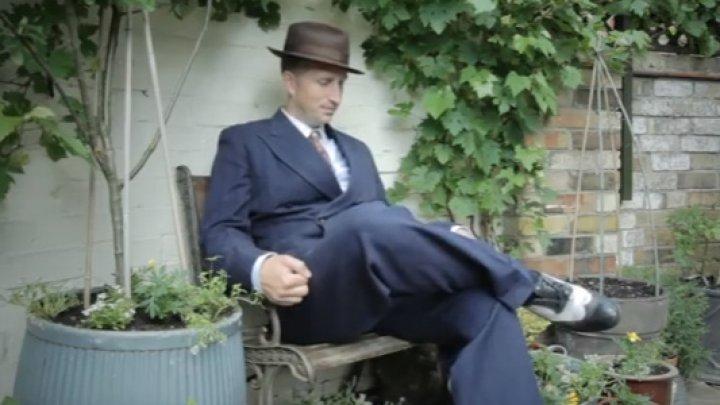 INCREDIBIL! Un tânăr de 35 de ani trăieşte în anul 1946 (VIDEO)