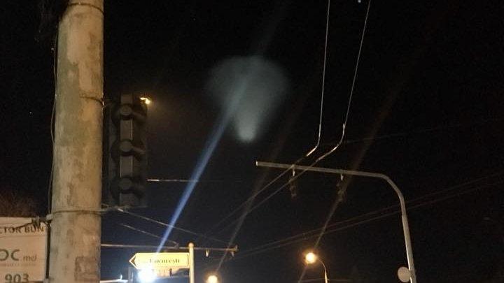 Fenomen inexplicabil în Chișinău. Un OZN observat pe cer (FOTO)