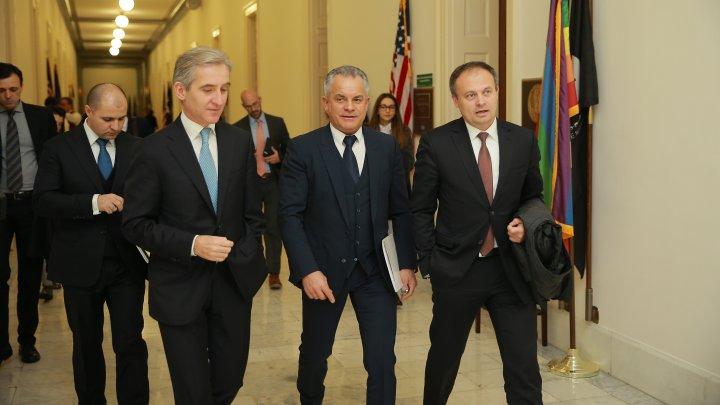 Vlad Plahotniuc și-a început vizita în SUA. Liderul democraţilor a discutat despre realizările si provocările guvernării de la Chișinău