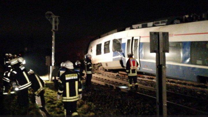 Zeci de răniţi, în urma unui GRAV ACCIDENT FEROVIAR în Germania (FOTO)