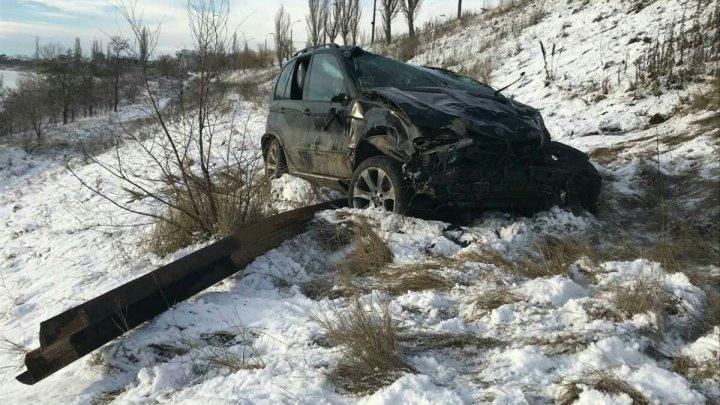 Prima zăpadă a făcut ravagii: 47 de accidente, 3 persoane decedate şi alte 30 rănite, în doar 24 de ore
