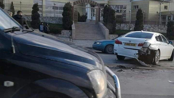 ACCIDENT GRAV pe strada Calea Orheiului. Poliţia, la faţa locului. În zonă s-au format ambuteiaje (FOTO)