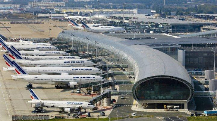Un om al străzii a sustras 300.000 de euro dintr-un depozit al Aeroportului Charles de Gaulle. Cum a fost posibil