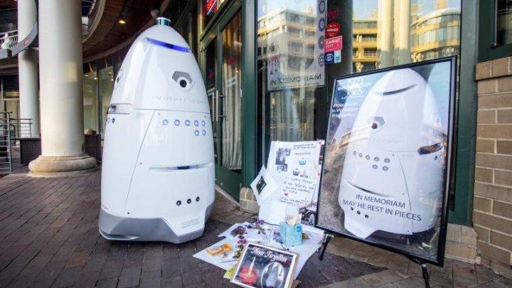 Motivul pentru care oamenii străzii au luat la bătaie un robot într-o parcare din San Francisco (VIDEO)