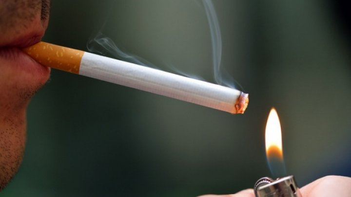 Un tată a pierdut custodia copiilor săi din cauza dependenței de tutun