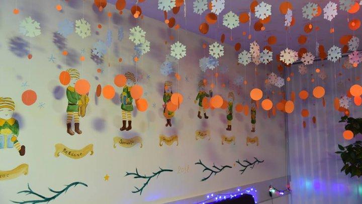 TĂRÂM DE POVESTE şi spirit de sărbătoare în căminele studenţilor de la USMF. Ingeniozitatea le-a adus şi premii (FOTO)