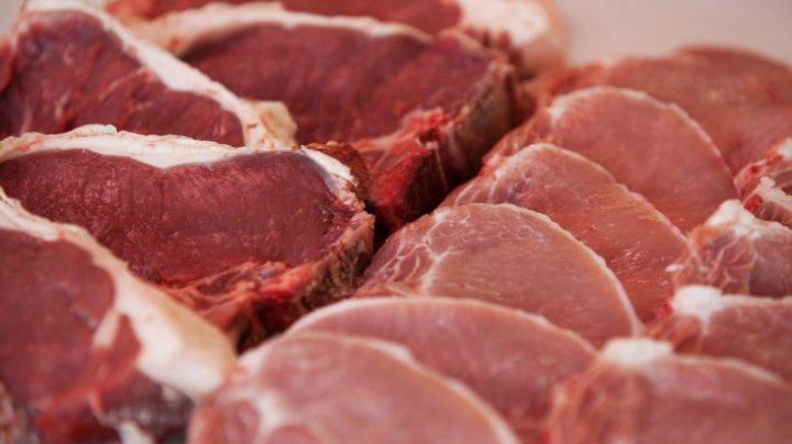 Cum să decongelezi carnea rapid? Un truc folosit de marii bucătari te va ajuta s-o dezgheți în doar 5 minute