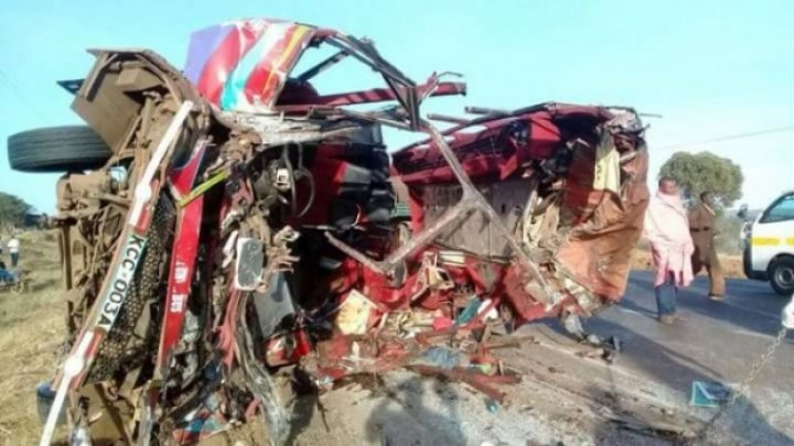 Accident GROAZNIC în Kenya. Cel puţin 30 de persoane au murit din cauza unei coliziuni dintre un autobuz şi un camion