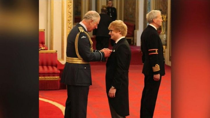 Gafa de proporții pe care a făcut-o cântărețul Ed Sheeran după a fost decorat de prințul Charles