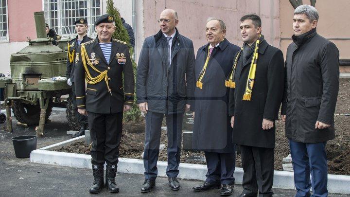 """Brigada de poliţie cu destinaţie specială """"Fulger"""" a marcat 26 de ani de la fondare (FOTOREPORT)"""