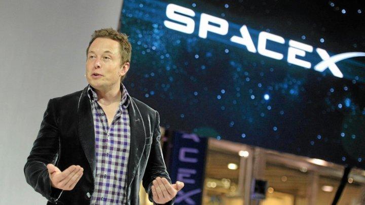 """""""Probele de foc"""" prin care trebuie să treacă o persoană pentru a ajunge la SpaceX"""