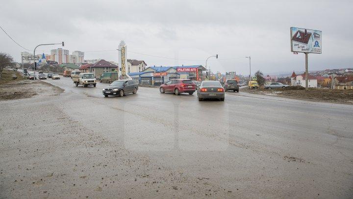 ATENȚIE ȘOFERI! Un semafor nou a fost instalat pe şoseaua Balcani, intersecţie cu orașul Durleşti şi satul Dumbrava