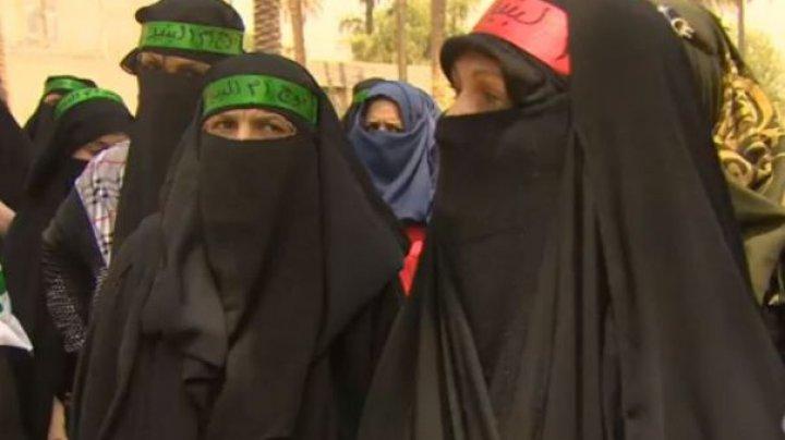 Iraniencele au câştigat bătălia în războiul pentru schimbarea strictului cod vestimentar islamic