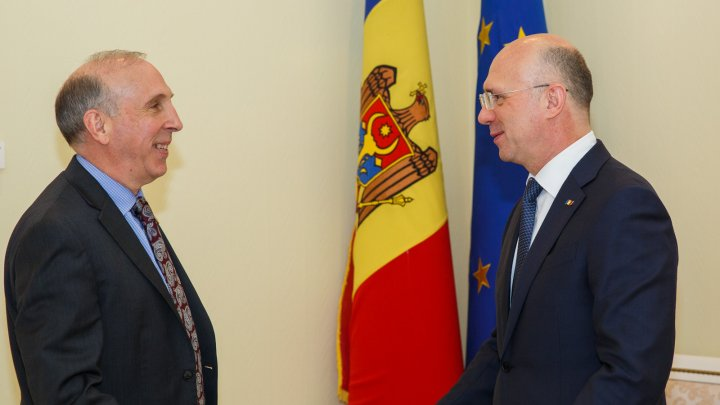 Evoluțiile înregistrate în reglementarea conflictului transnistrean, discutate de Pavel Filip şi James Pettit
