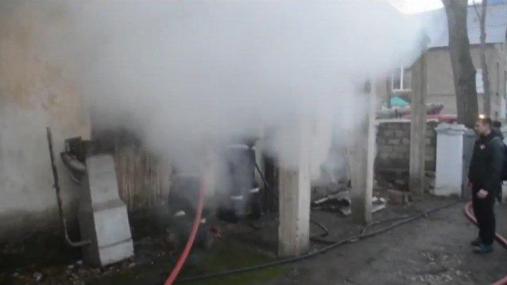 Un bărbat din Bălţi a murit după ce apartamentul său a fost cuprins de flăcări (VIDEO)