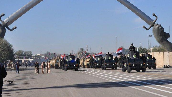 Irakienii au organizat o paradă militară pentru a sărbători victoria împotriva ISIS