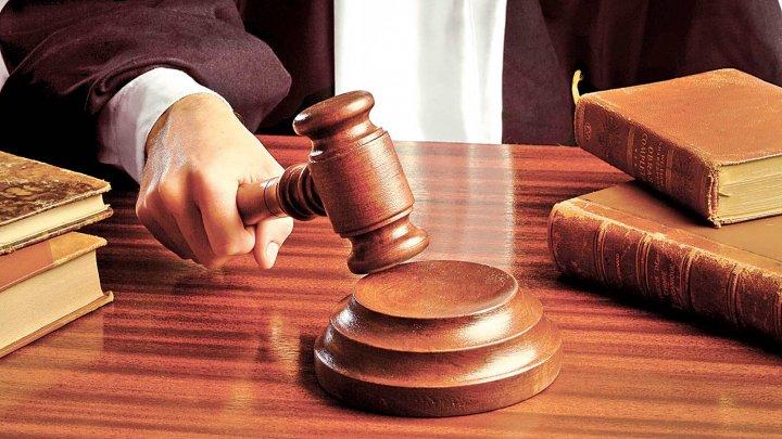Anchetă în România. Un bărbat din Galaţi e acuzat de fals în declaraţii. El a luat în spaţiu fictiv peste 1.400 de moldoveni