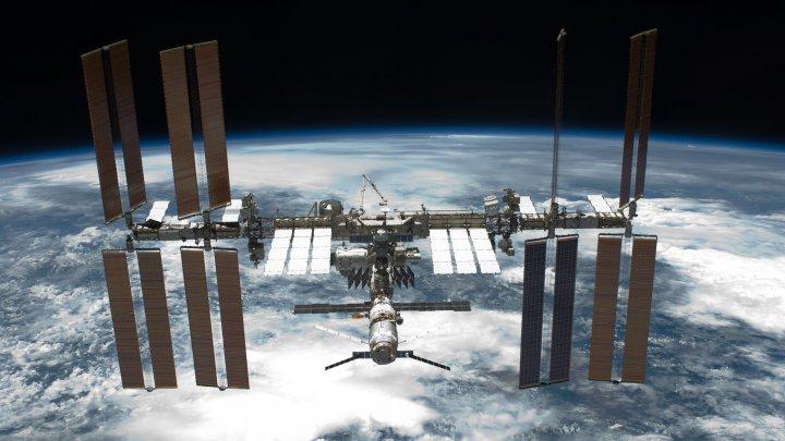Trei astronauţi de pe Staţia Spaţială Internaţională au aterizat în Kazahstan (VIDEO)