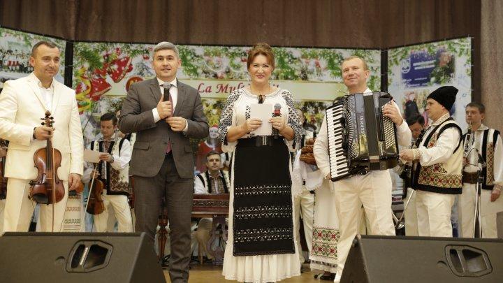 Atmosferă de sărbătoare! Angajaţii MAI au avut parte de un concert de suflet. MESAJUL ministrului Jizdan (FOTO)