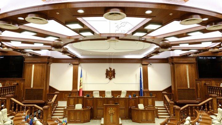 Ce spun deputaţii despre reforma Parlamentului, anunţată de speakerul Andrian Candu