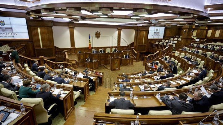 Parlamentul a aprobat reducerea numărului de viceprim-miniștri