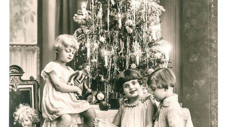Magia sărbătorilor. Ce lucruri haioase se puneau pe vremuri în pomul de Crăciun