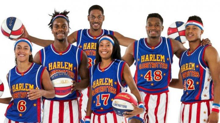 Harlem Globetrotters, faimoasa trupă de baschet-show, continuă să facă spectacol