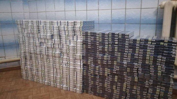 Prinşi la Vama Sculeni. Unde au ascuns doi moldoveni 60.000 de țigarete pentru a le scoate ilegal din ţară