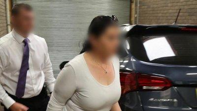 Fosta angajată a guvernului australian care finanța ISIS, arestată de forțele antitero. Care este motivul