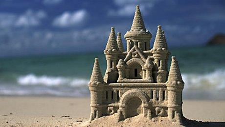 EMOȚIONANT! Un brazilian trăieşte într-un castel de nisip de 22 de ani. Care este motivul