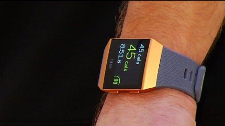 Cum arată ceasul sport Fitbit. Ce funcții are