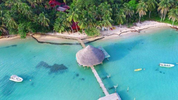 Paradis VÂNDUT cu 10 dolari. Pe lângă insulă, primeşti 50.000 de dolari