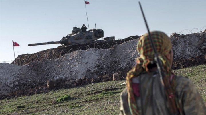 Turcia a lansat bombardamente intense asupra poziţiilor militare kurde din regiunea siriană Afrin
