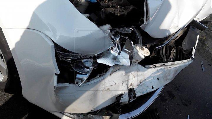 11 accidente rutiere în weekend, 22 de şoferi au urcat beţi la volan, iar peste 800 au fost prinşi circulând cu viteză