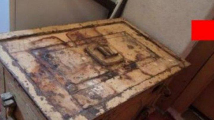 A avut parte de surpriza vieţii! Ce a descoperit o femeie într-un seif vechi din casa mătuşii decedate. NU-I VENEA SĂ CREADĂ
