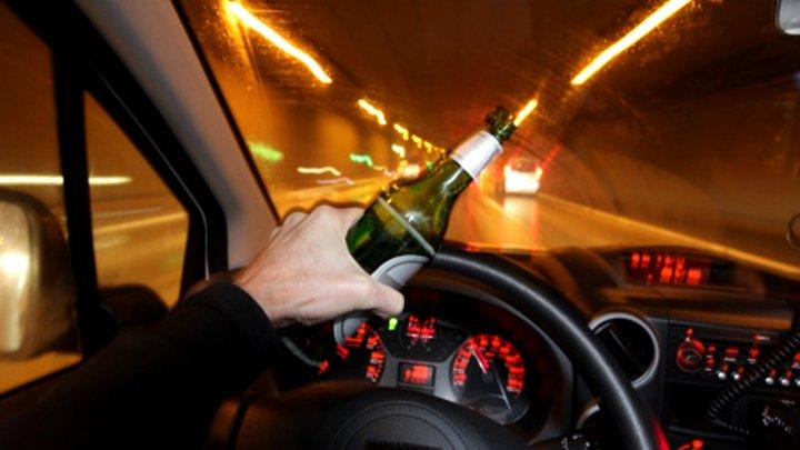 NO COMMENT: Un şofer beat a parcurs de 17 ori același sens giratoriu