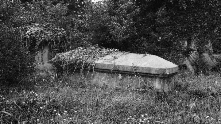 Au descoperit un mormânt de 2.300 de ani. Când l-au deschis au rămas în șoc (VIDEO)