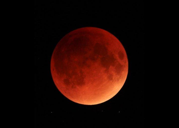 Prima Super Luna albastră sângerie din 2018. Imagini spectaculoase din lume (VIDEO)