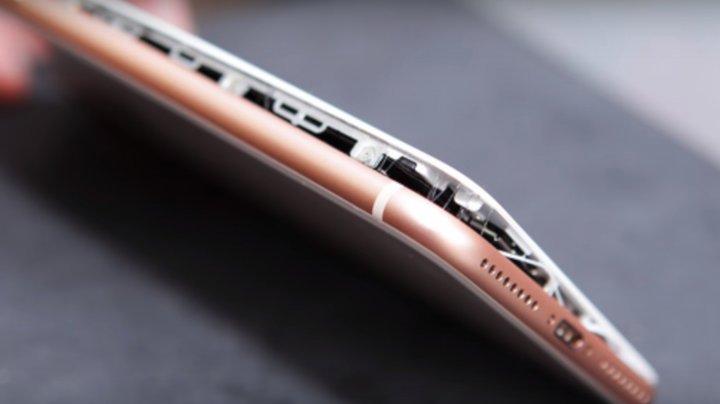 Apple nu scapă de scandalul bateriilor. Compania ar putea pierde 10 miliarde de dolari