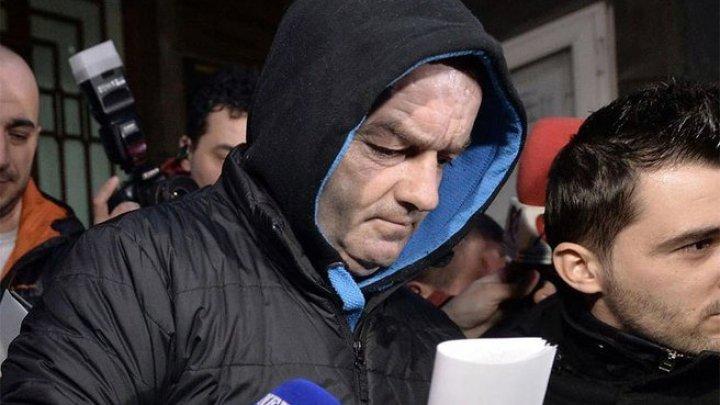 Percheziţii în casa pedofilului din Bucureşti. Poliţiştii au găsit dovezi ce îl incriminează pe colegul lor