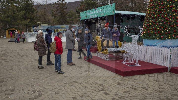 Atmosferă de poveste la Nisporeni. Târgul de sărbători din localitate a fost luat cu asalt de localnici