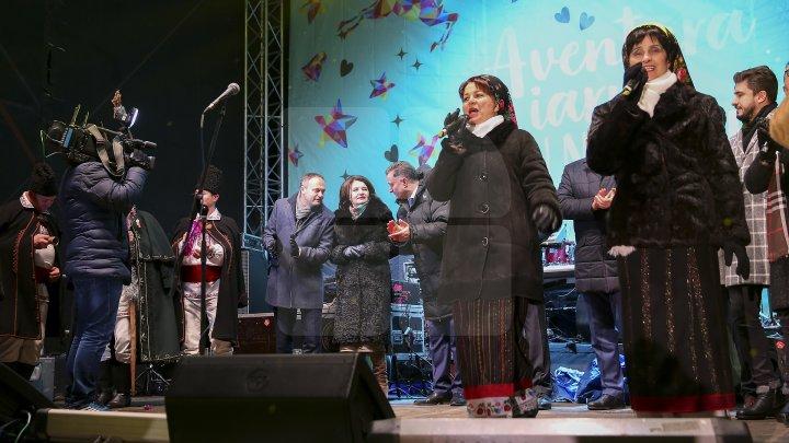 ATMOSFERA INCENDIARĂ de la Nisporeni în IMAGINI. 3 Sud- Est, Carla's Dreams şi Antonia au făcut furori la târgul de iarnă