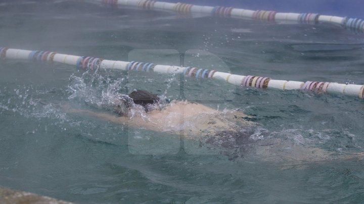 Cât de periculos este clorul din piscină? Iată ce spun specialiştii
