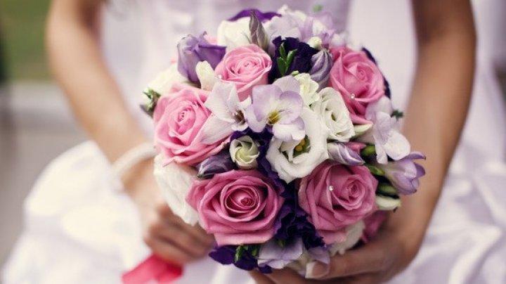 Secretul mireselor. De ce trebuie să aibă un buchet de flori în mână în ziua nunţii