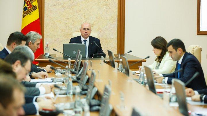 Cetățenii din 33 de state vor putea călători fără vize în Republica Moldova