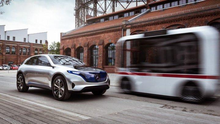 Mercedes: Trecerea rapidă la mașinile electrice este o decizie luată în grabă