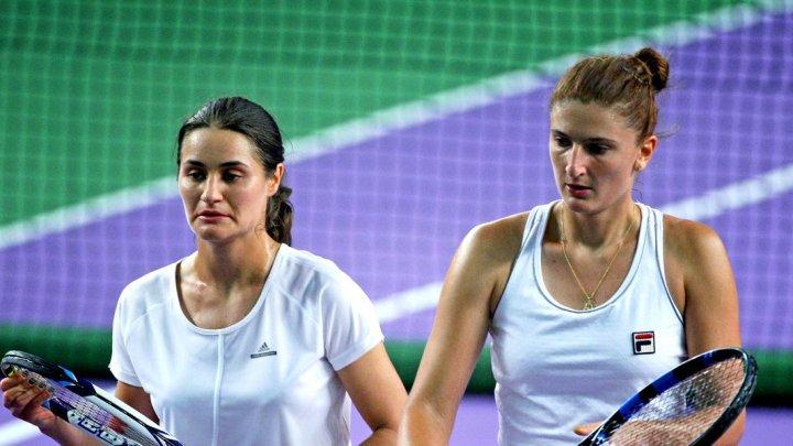 Româncele Irina Begu şi Monica Niculescu s-au calificat în semifinalele probei de dublu de la Australian Open