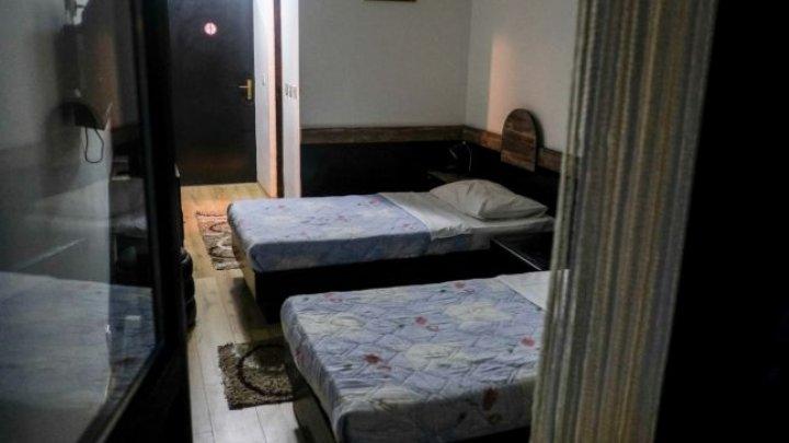 HOTELUL GROAZEI unde s-a vărsat sânge şi se află în centrul unei dispute. Sute de femei au fost violate şi torturate