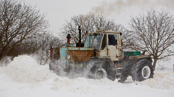 NINGE ABUNDENT în Moldova. IGSU a creat trei celule de criză în zonele de nord, sud și centrul țării