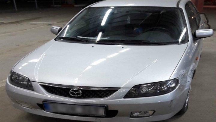 Un moldovean și-a cumpărat o mașină din Germania, însă a avut parte de o surpriză neplăcută la vamă